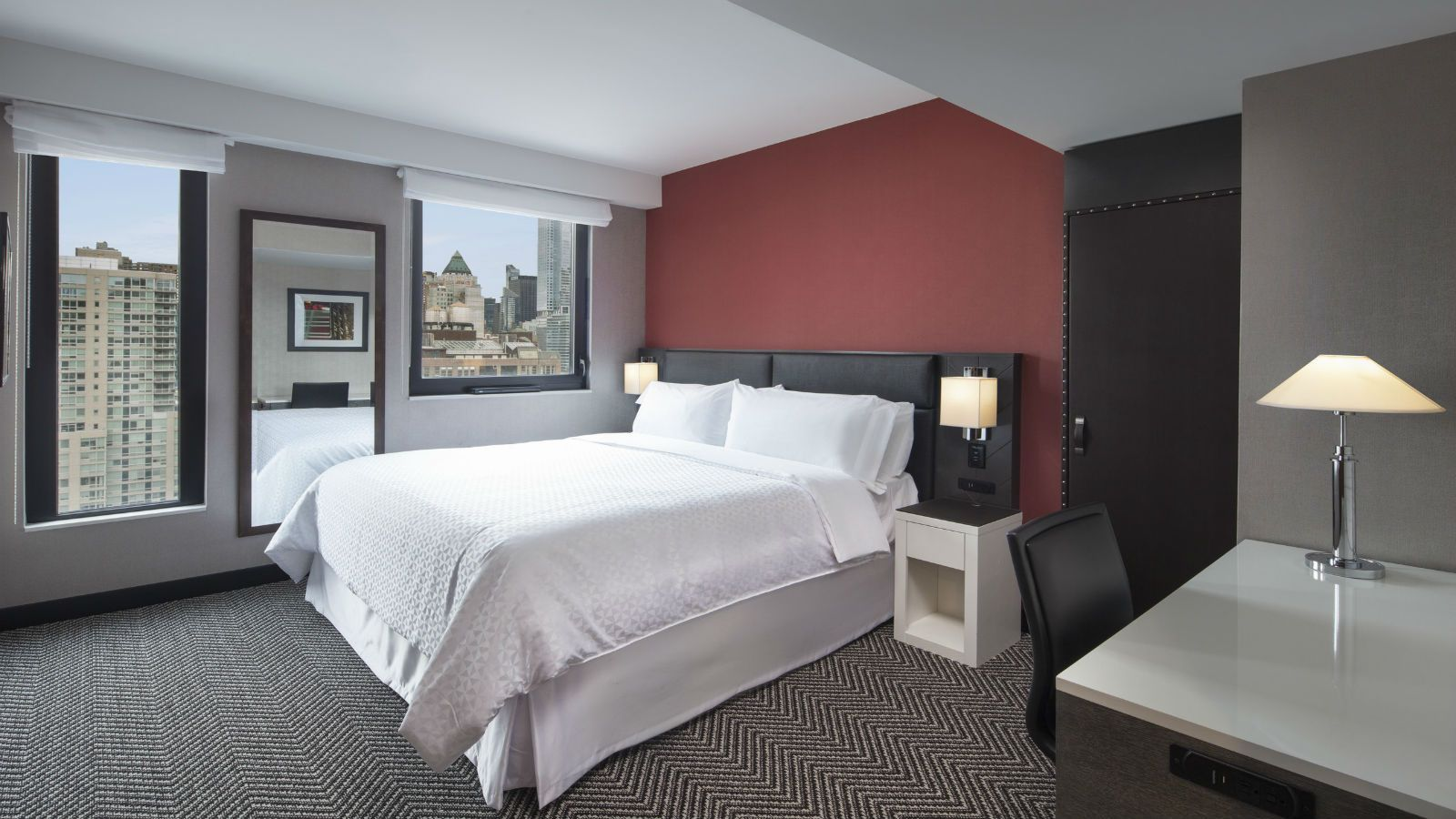 Manhattan Accommodations - Deluxe City-View King Guest Room